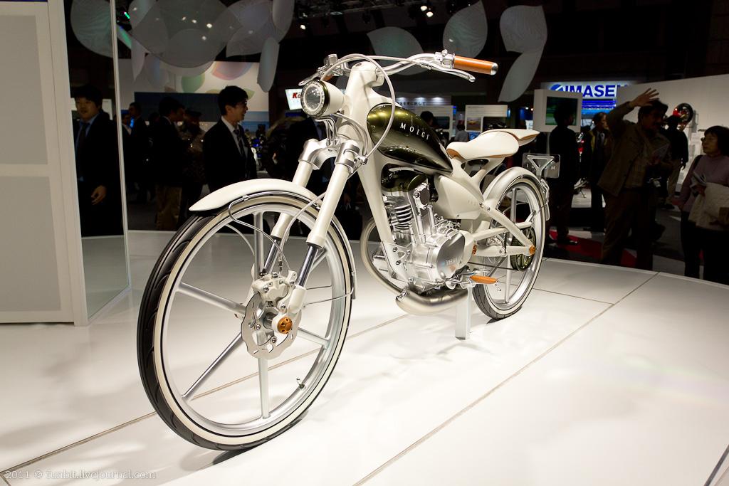 Motor Show - Yamaha Velo 2