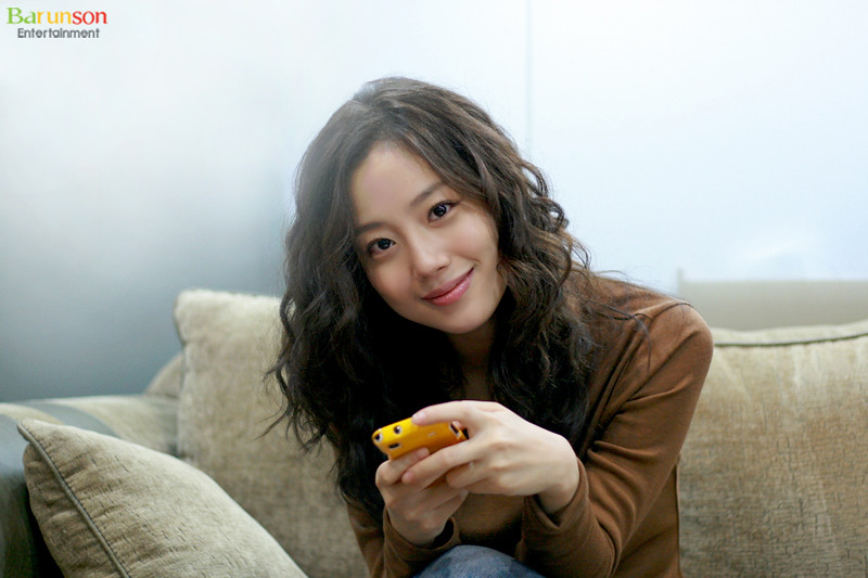 Yet another Korean 'Natural Beauty' Star: Moon Chae Won