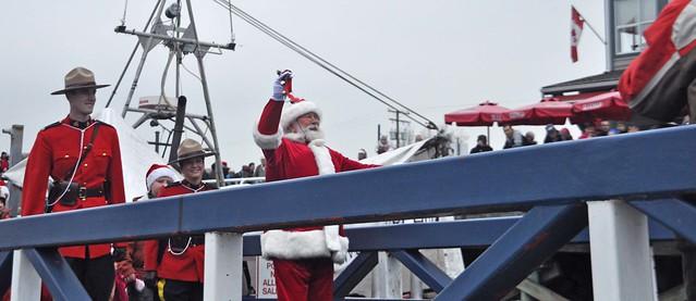 Santa Visits Steveston 1