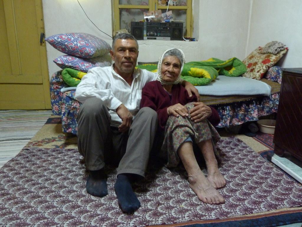 L'Ömer i la seva mare l'Aşa a Sevindikli (Turquia)
