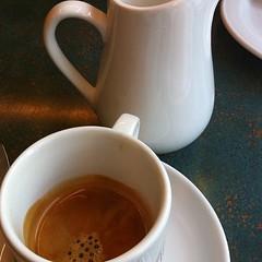 espresso, cup, tea, drinkware, saucer, coffee milk, cafã© au lait, coffee, coffee cup, mug, drink, caffeine,