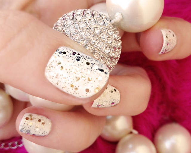 diamonds-pearls-nails-glitter