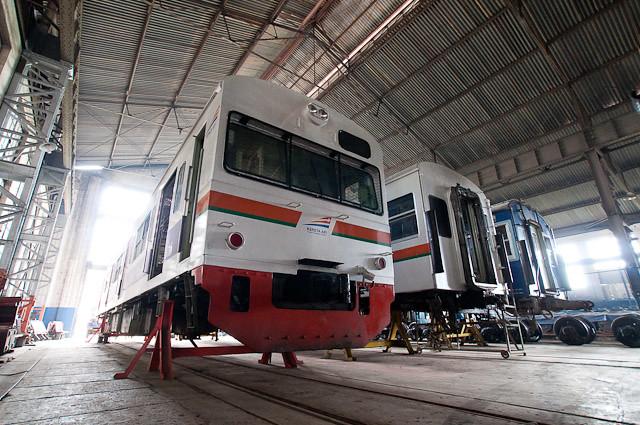 KAI Seri103 JR東日本103系 E20 dan E21