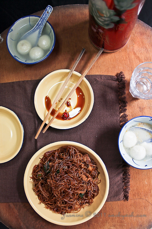 Chinese Fried Rice Noodles/ Meehoon and Glutinous Dumplings