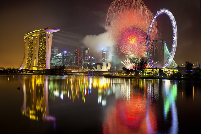Singapore Countdown 2012 Fireworks : The Last Burst :