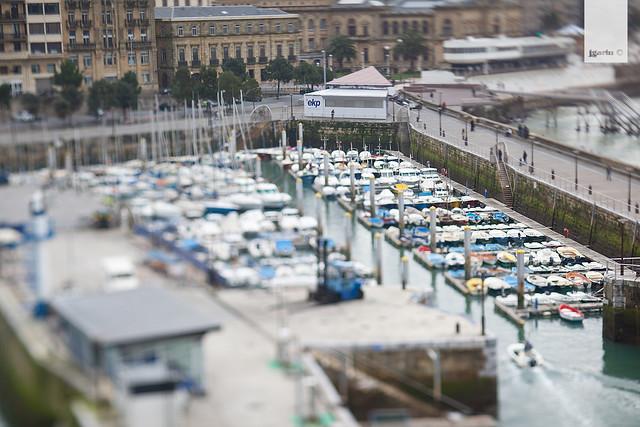 Puerto Donostia en miniatura con el objetivo TS-E24mm f/3.5L