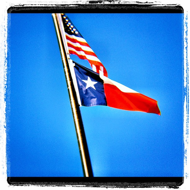 Flags #Texas #usa #America #iphone #blue #sky