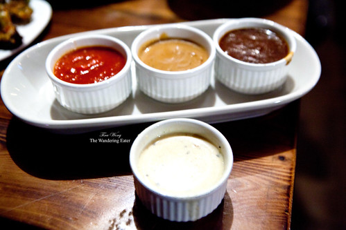 The sampler of sauces and the black truffle sauce