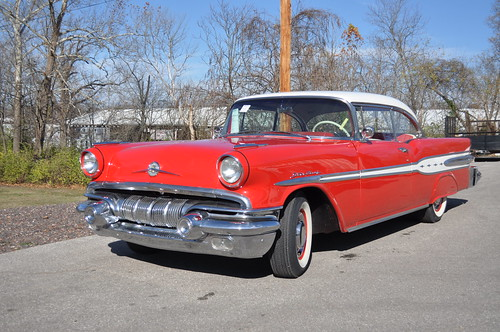 1957 Pontiac Star Chief red with white top