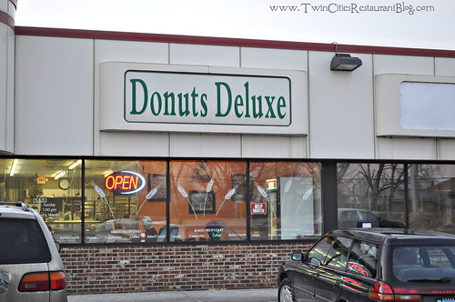 Donuts Deluxe ~ White Bear Lake, MN