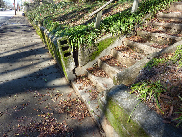 P1040332-2012-01-24--Ormond-St-SE-reno-poptop-before-retaining-wall-sidewalk-steps