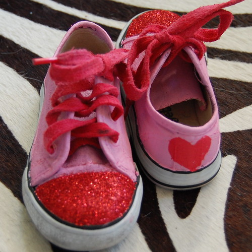 Now Tallulah can celebrate Valentines Day in style. Heck they were so easy  to whip up I might make the whole family a pair. 581de03b9