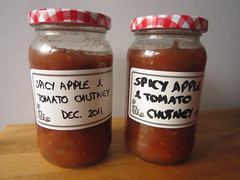 Spiced apple and tomato chutney