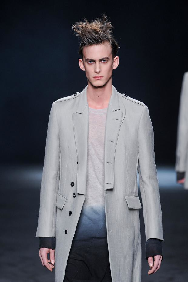 Elias Cafmeyer3063_FW12 Paris Ann Demeulemeester(fashionising.com)