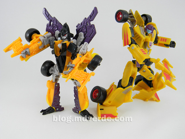 Transformers Drag Strip - Human Alliance Scout - Dark of the Moon - modo robot vs Universe