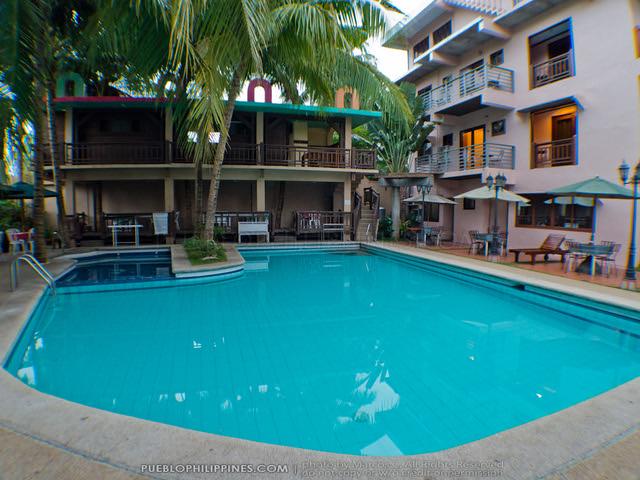 Los Palmas Resort - Tuguegarao City - Cagayan Province, Philippines (063019 - 120124)