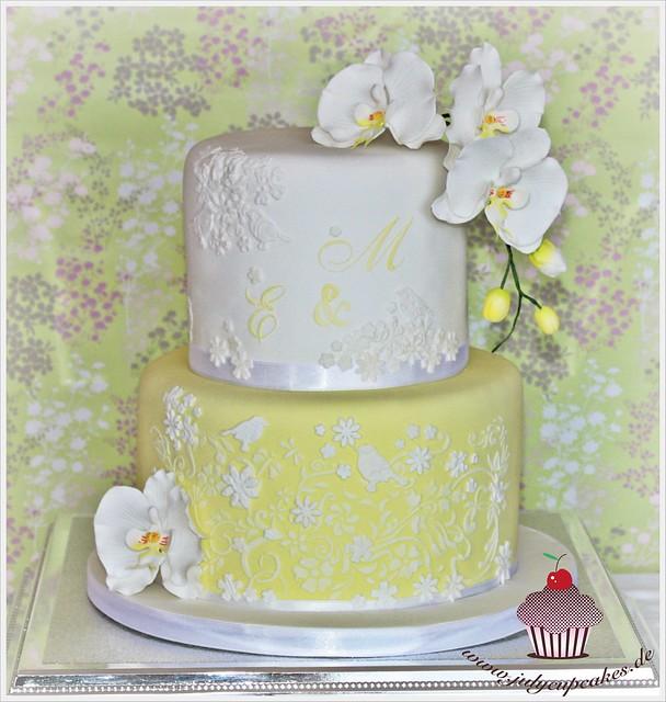 spring wedding cake designs Lord of the Rings wedding cake server