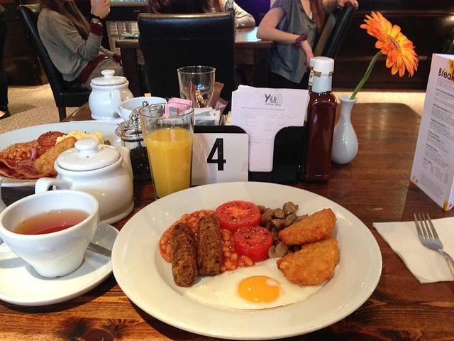 Umi Hotel London breakfast