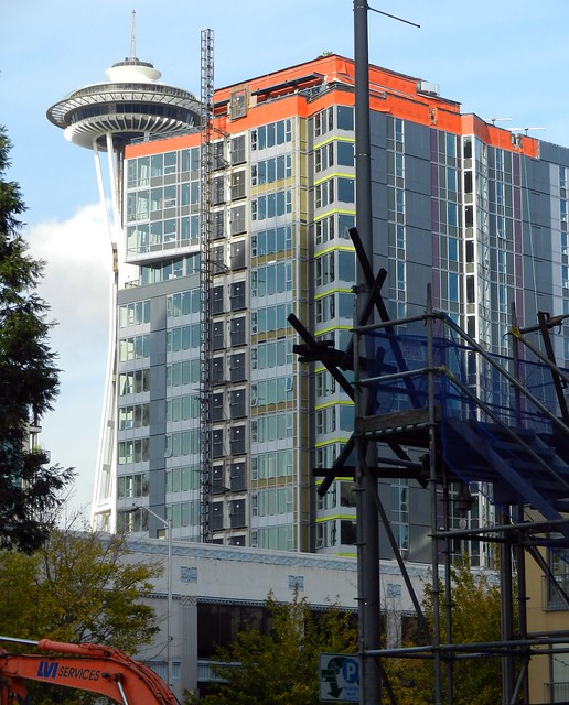 Apartment Seattle: Space Needle From Belltown Construction Area, Apartment Bu