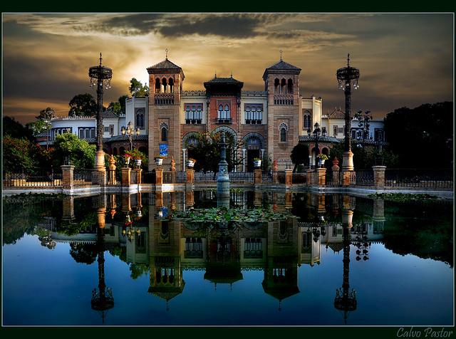 Sevilla...Pabellón Mudéjar Parque de Maria Luisa