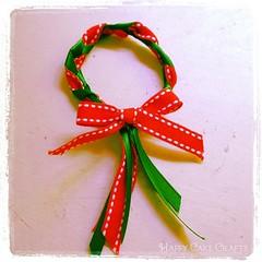 wreath_napkin_ring_finished_happycakecrafts_11_11