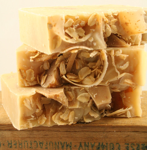 Oatmeal Milk Honey Soap_0005_edited-1