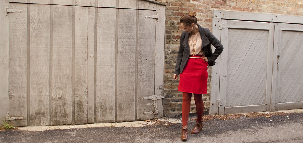 fall outfit, dash dot dotty, outfit ideas, red, rust, gray, brown, light pink, j.crew-ish, can you hear me jenna lyons?, belted, gold