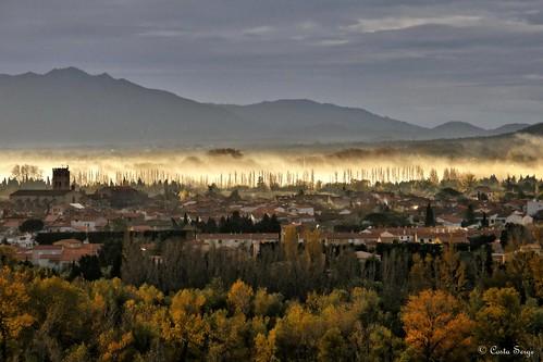 light france sunrise automne landscape lumière rayon paysage brume millas leverdesoleil fumée catalogne pyrénéesorientales payscatalan millavue