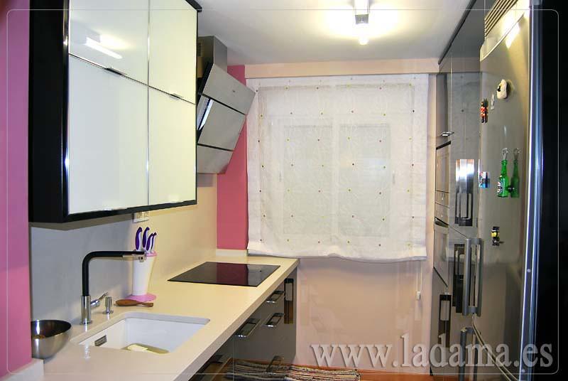 Fotograf as de cortinas de cocina la dama decoraci n - Estores para cocinas modernas ...