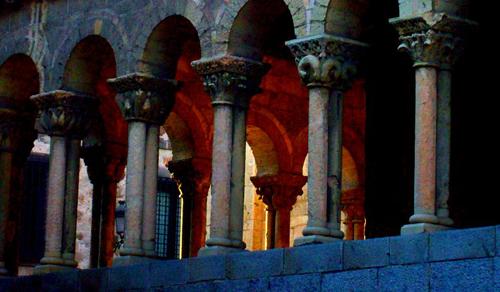 """""""La magia del arte"""" Puede transportarte a cualquier época en segundos Iglesia San Martín, Segovia"""