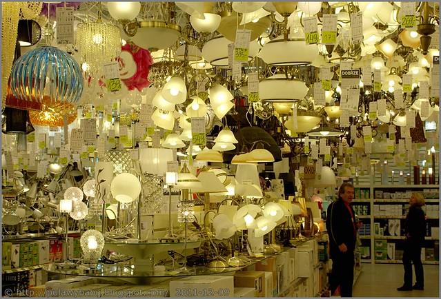 Żyrandole, lampy, lampki