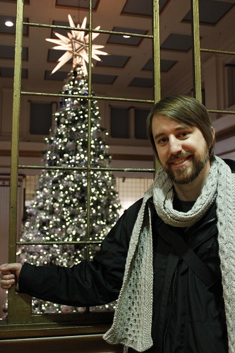 20111223. chris at the macy's tree, chicago.