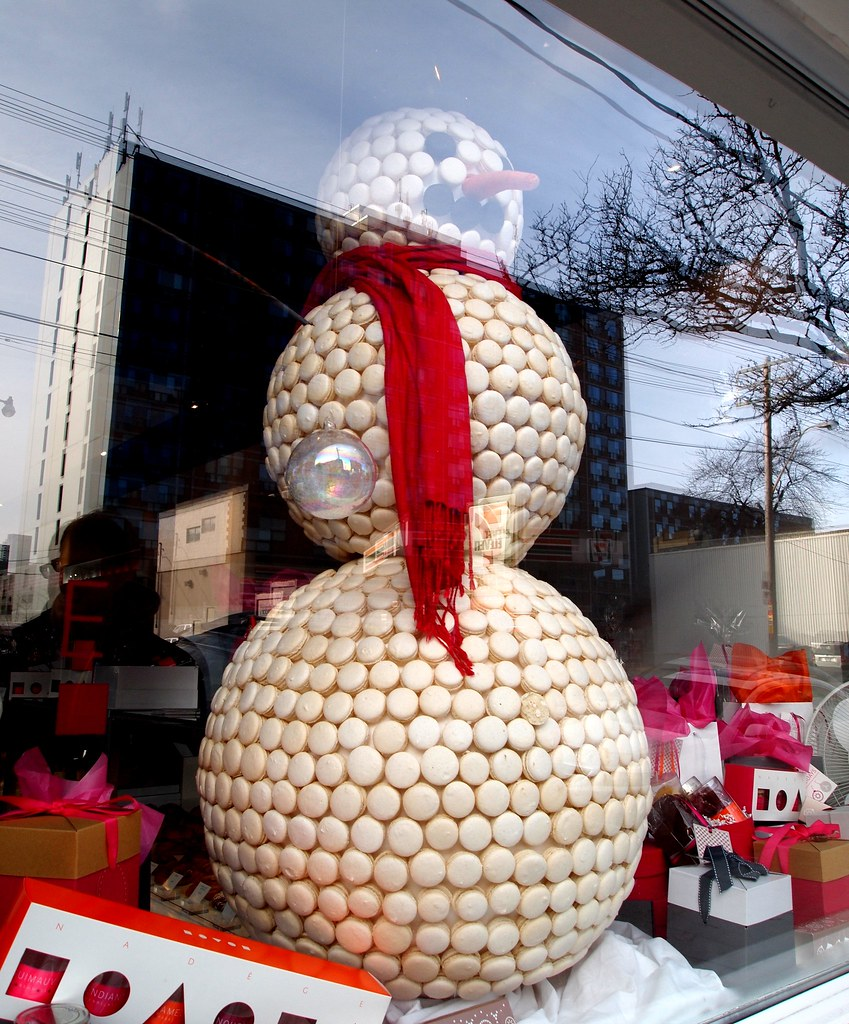 Macaron Snowman