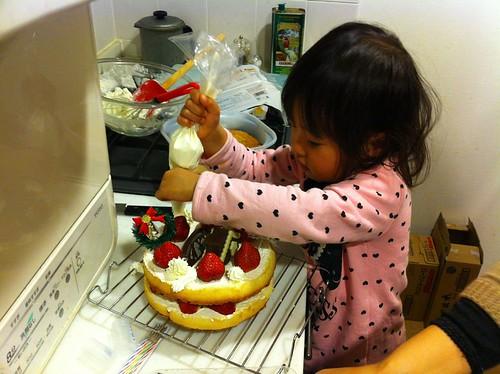 クリスマスケーキに挑戦