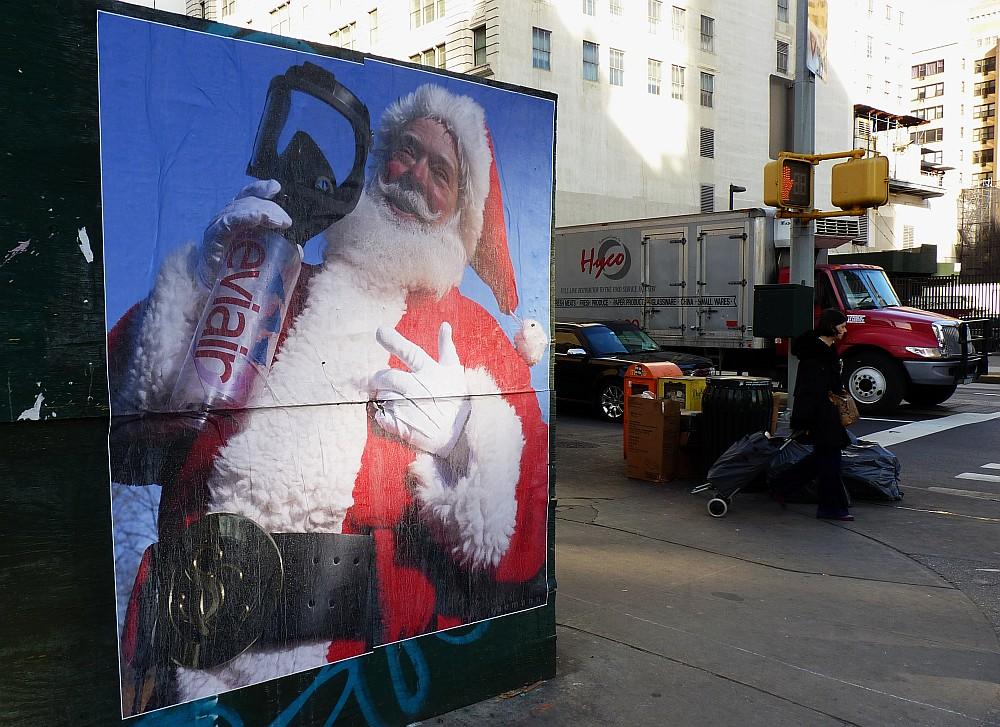 Lucky Eviair Santa