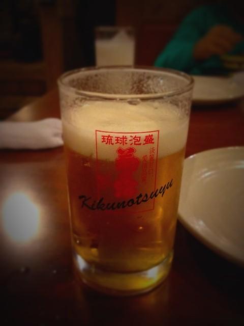 フェースブックでチェックインすると、ドリンクサービス!沖縄最後の夜に乾杯!
