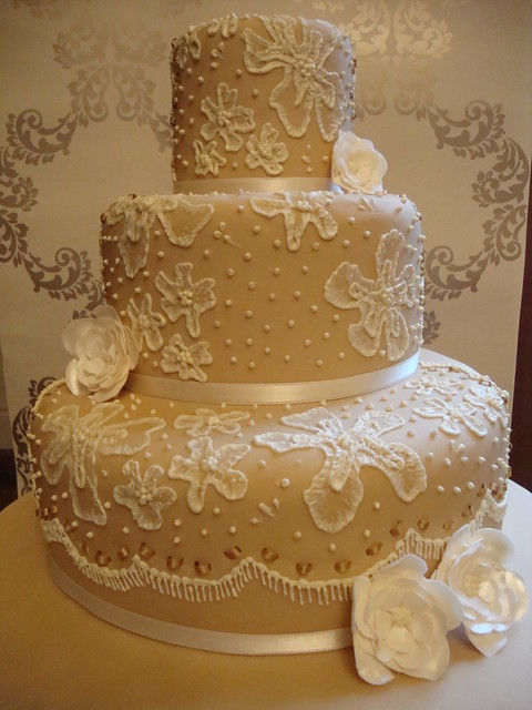 mich turner wedding cakes 3 tier wedding cake from my masterclass with mich turner 17340