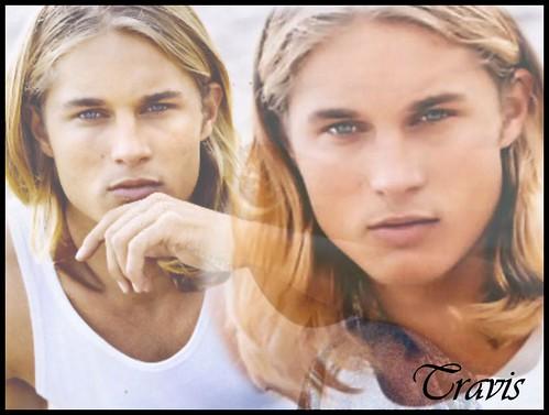 modelos-masculinos-Travis-Fimmel