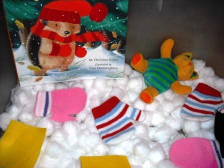 Winter Sensory Tub (Photo from Little Wonders' Days)