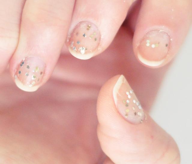 sephora nail polish remover-leaves glitter specs
