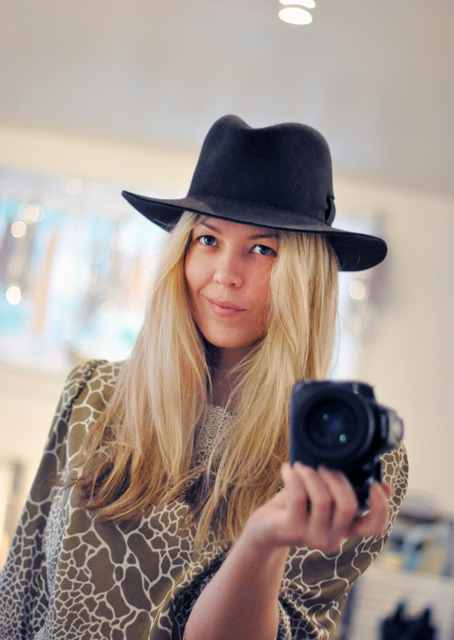 maegan's fedora - hat-fedora - straight hair-mirror-camera