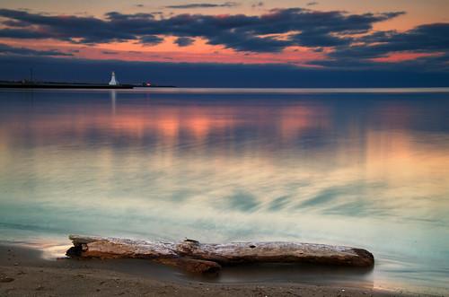 lighthouse lake ontario canada burlington evening twilight nikon glow driftwood shore bfg bestcapturesaoi mygearandme flickrstruereflection1 flickrstruereflection2