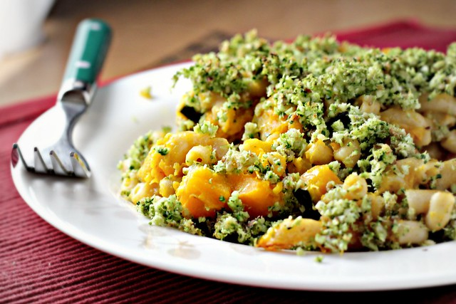 Broccoli-Basil Mac and Cheese | Joanne Eats Well With Others
