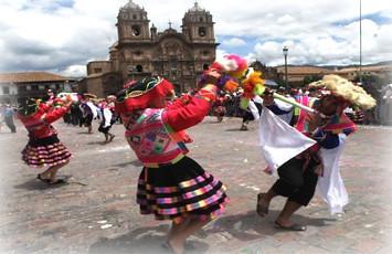 vista-de-bellisima-danza-de-saqre-canchis-cusco-peru