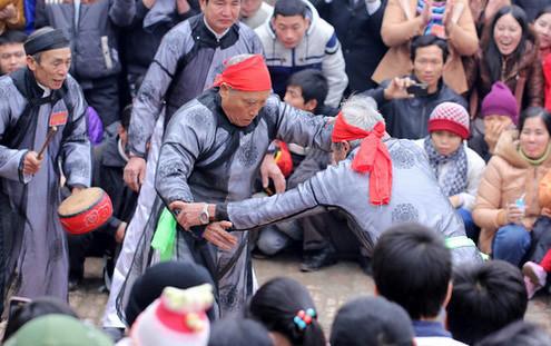 6794336287 a20d692042 Lễ hội Chạy lợn ở Hà Nội Nóng bừng 3 phút mổ lợn khao quân