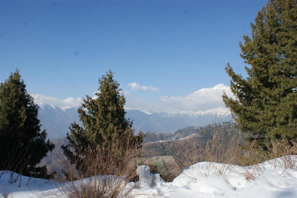 Muzaffarabad Jeep Club Snow Cross 2012 - 6796502591 fd34bb4682 b