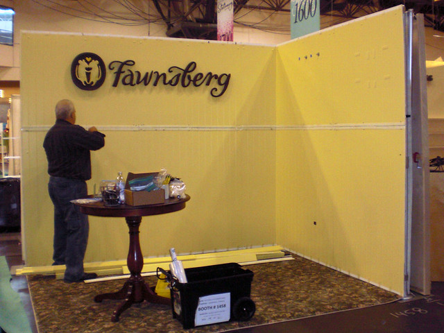 Trade Show Booth Walls : Portable trade show booth support structure
