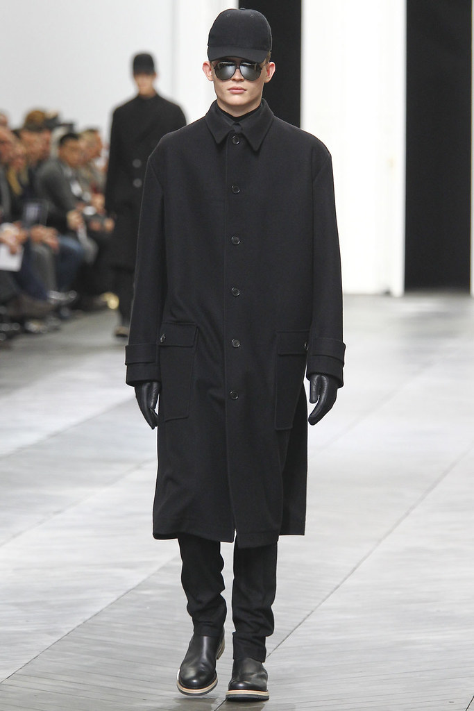 Timothy Kelleher3135_FW12 Paris Dior Homme(VOGUE)