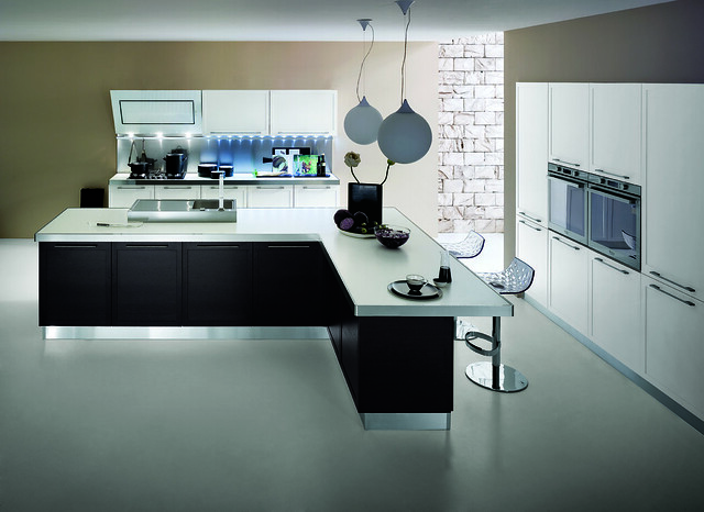 Cucina moderna in rovere laccato bianco e wengè  Flickr - Photo Sharing!