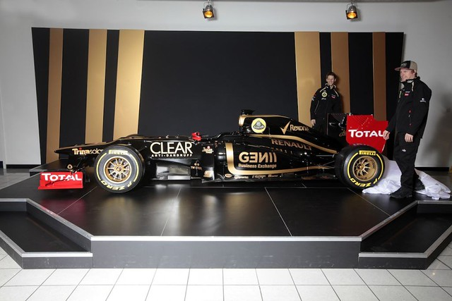 Lotus E20 F1 Team Launch 2012